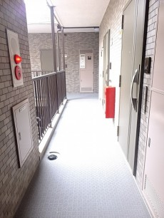 ライオンズシティ渋谷本町 共用廊下