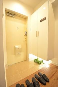 トゥール高輪 明るい玄関ホール