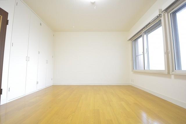 約9.0畳の洋室