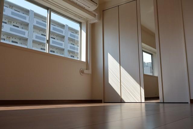 中央マンション 洋室2