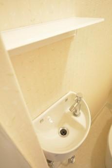 トイレは手洗い場付き