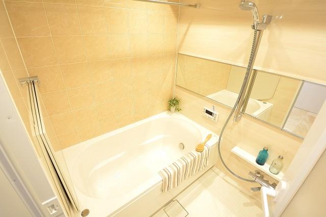 トゥール高輪 追い焚き&換気乾燥機能付きバスルーム