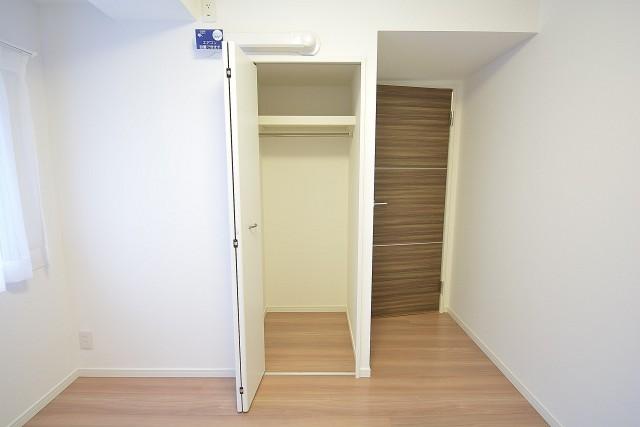 セイワパラシオン笹塚 約4.9畳の洋室のクローゼット