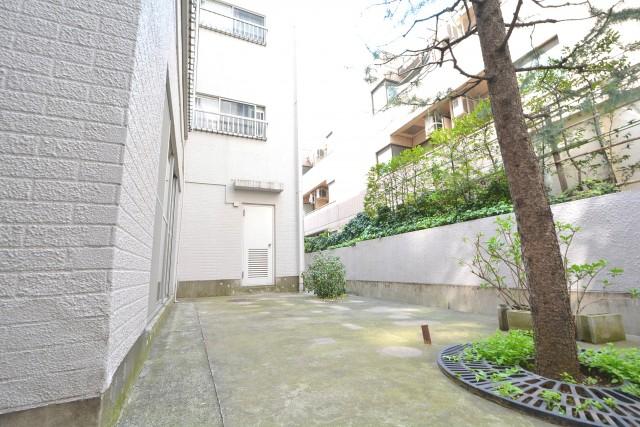 千駄ヶ谷第一スカイハイツ 庭2