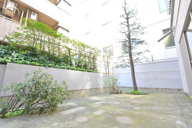 千駄ヶ谷第一スカイハイツ 庭1