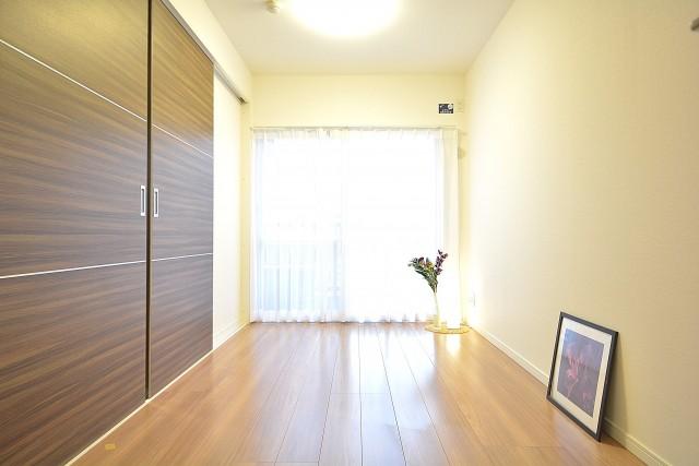 セイワパラシオン笹塚 約5.8畳の洋室