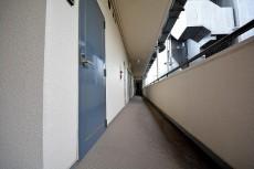 プラザ六番館 共用廊下