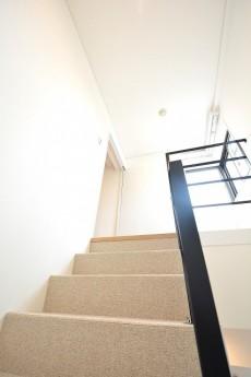 シャンボール常盤松 メゾネット階段