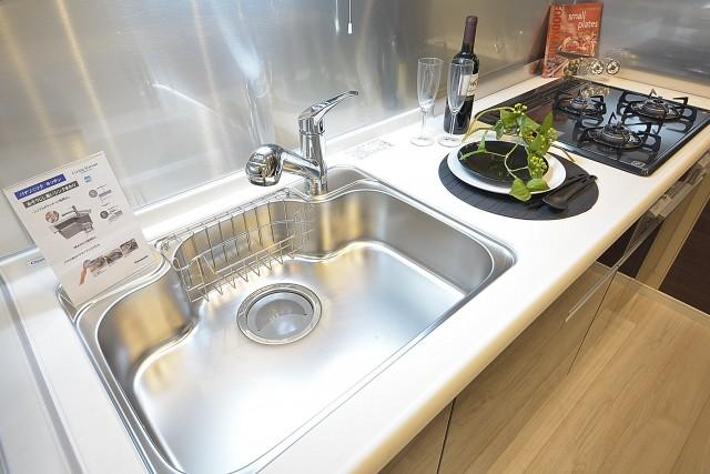 グランドメゾン幡ヶ谷 浄水器一体型水栓付きシステムキッチン