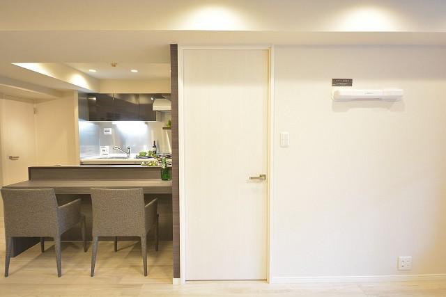 グランドメゾン幡ヶ谷 洋室の扉