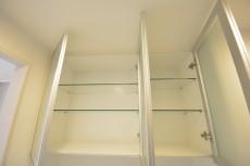 アルファニッシュ白金高輪 食器棚