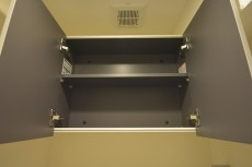 トイレ上の吊戸棚