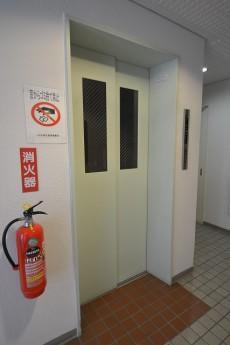 ルミネ明大前 エレベーター