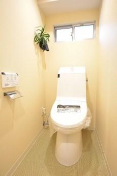 大富外苑コープ ウォシュレット付きトイレ