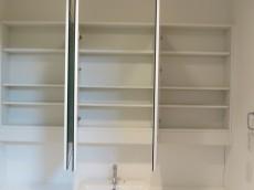グラントレゾール広尾 洗面台収納105