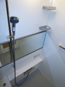 ヴェルビュ新中野 浴室換気乾燥機付のバスルーム