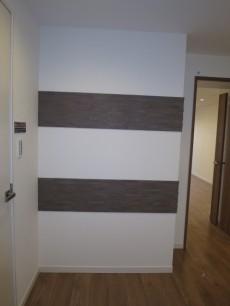 アイタウン・レピア ドアを開けたら、正面の壁にもアクセントが施されています