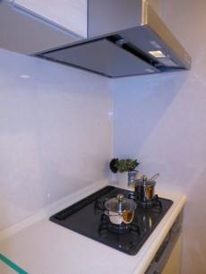 ニックハイム中目黒 機能的なシステムキッチン