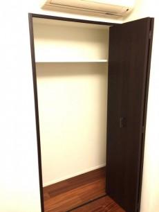 グラントレゾール広尾 洋室約6.7帖収納