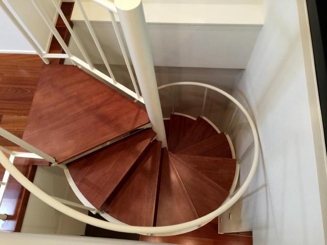 グラントレゾール広尾 階段