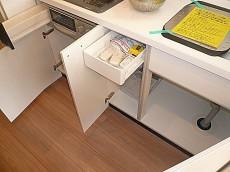 システムキッチン 収納。