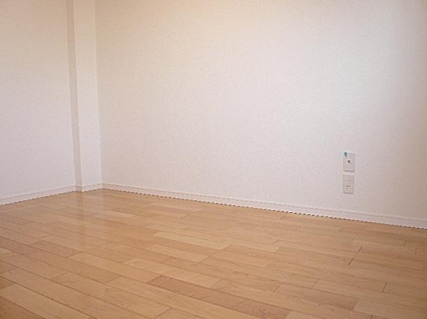 2階 5.7帖洋室