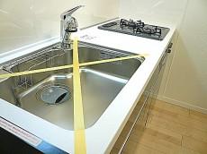 駒沢コーポラス システムキッチンです。
