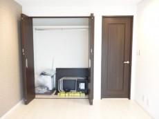 ライオンズマンション原宿 約6.0畳の洋室収納