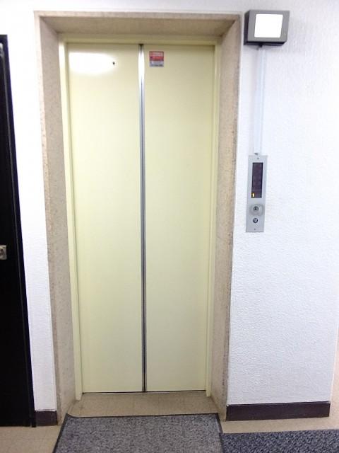 秀和若林レジデンス エレベーター