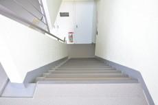 高輪パークホームズ 共用階段