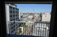 成城エコーハイツ 洗濯機置場の窓