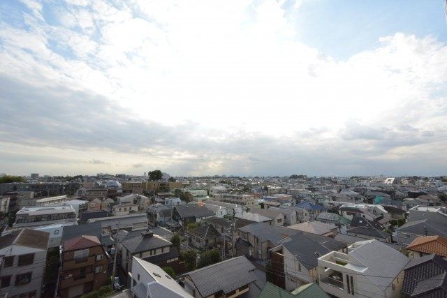 メナー代田 リビングダイニング 眺望703