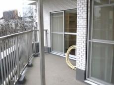 ニューライフ西早稲田 バルコニー