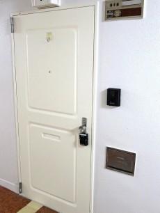 ハヤマビル 玄関扉