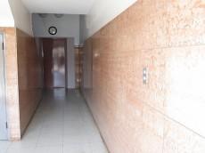 ハヤマビル 共用廊下
