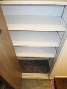 第23宮庭マンション 大容量シューズボックスがある玄関