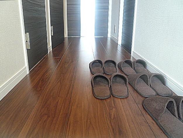 お部屋に続く廊下です。