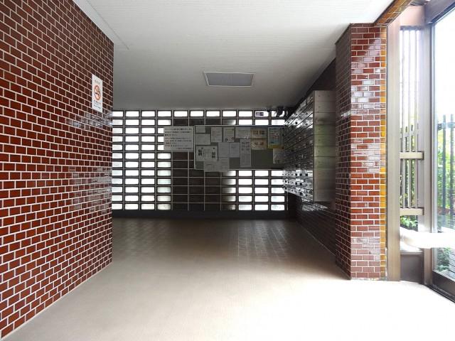 駒沢コーポラス エントランスホール
