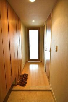 芝浦アイランドケープタワー 玄関から廊下