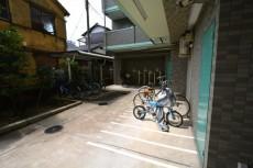 アフェクシオン南烏山 駐輪場