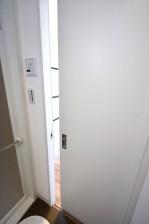サンセール広尾 浴室から洋室へ