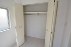 ユニーブル上馬 2F洋室4.0帖クローゼット107