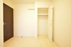 東急ドエル・アルス等々力弐番館 約4.6畳の洋室