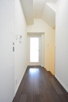 南青山グリーンヒルハウス 2階廊下
