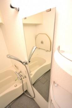 シャンボール上馬 バスルーム棚