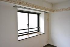 ディアナコート成城 洋室6.3出窓