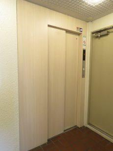 護国寺ロイアルハイツ エレベーター