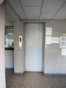セントラル第二青山 エレベーター