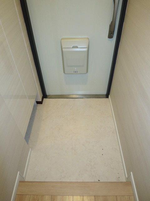 トーア早稲田マンション トール型シューズボックス付の玄関