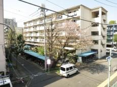 トーア早稲田マンション キッチン窓からの眺望